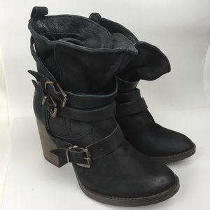 STEVE MADDEN Sz 7 Heeled Boots